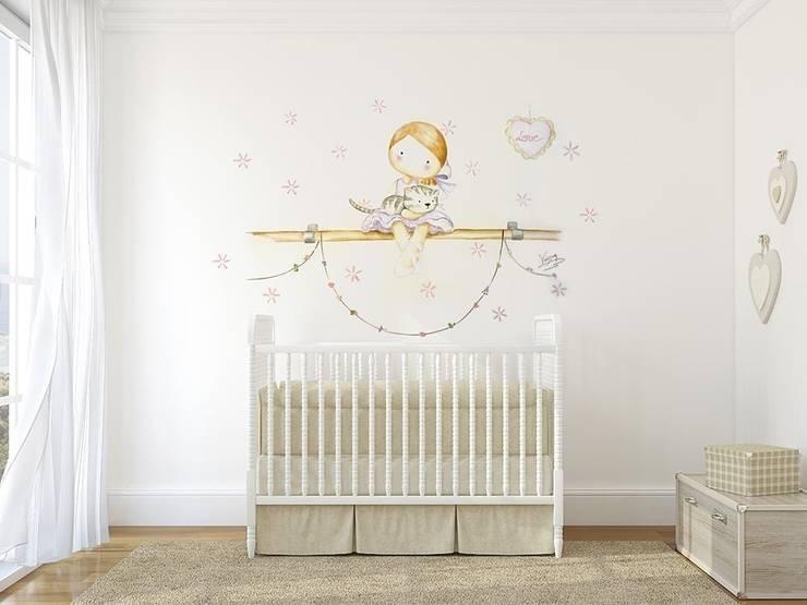 Bailarina con gato Dormitorios infantiles de estilo moderno de Murales Divinos Moderno