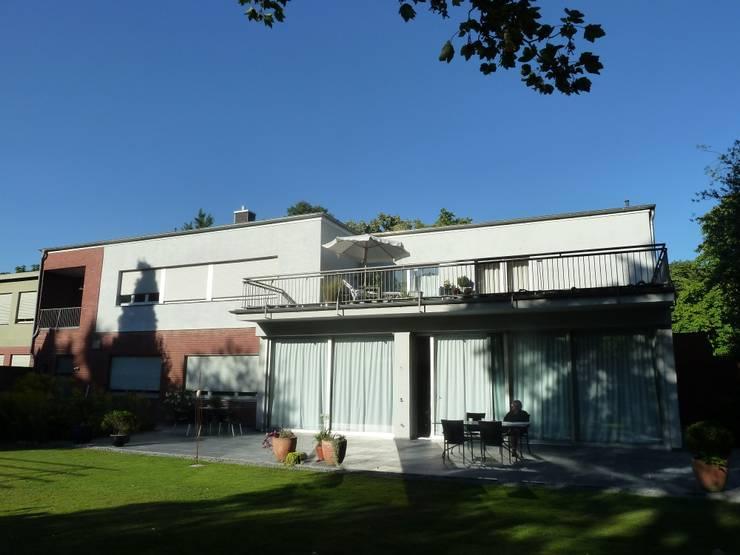 Villa V: minimalistische Häuser von Villa V