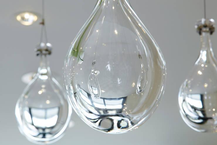 Lichtobject met gefused glas voor Zorgvila Sluysoort, Maarssen.:  Gezondheidscentra door Kunst & Licht & Glas