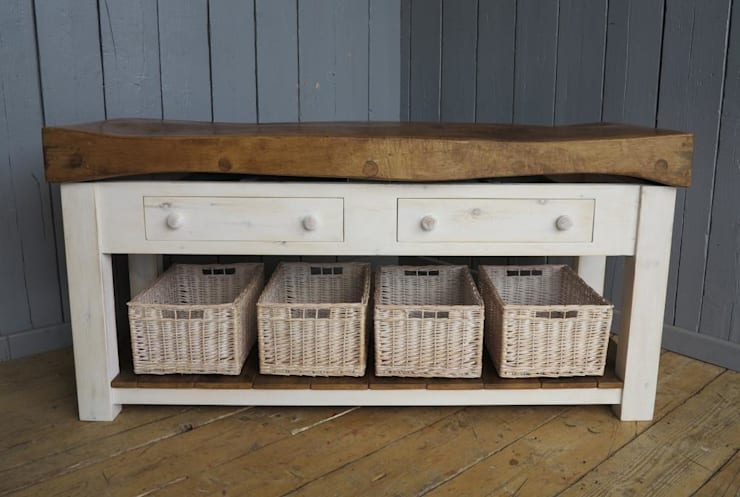 Bespoke Butchers Block ideal as a kitchen island :  Kitchen by UK Architectural Antiques