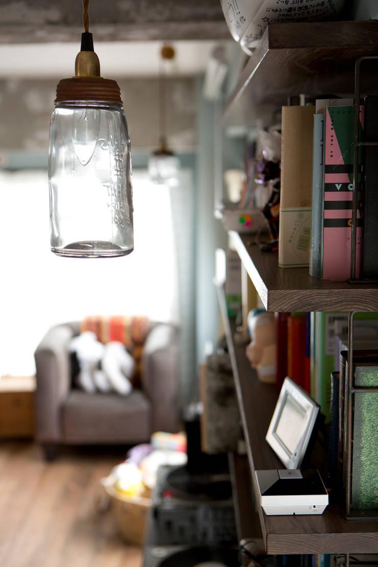 光あふれるビンテージな住まい: 株式会社スタイル工房が手掛けたです。