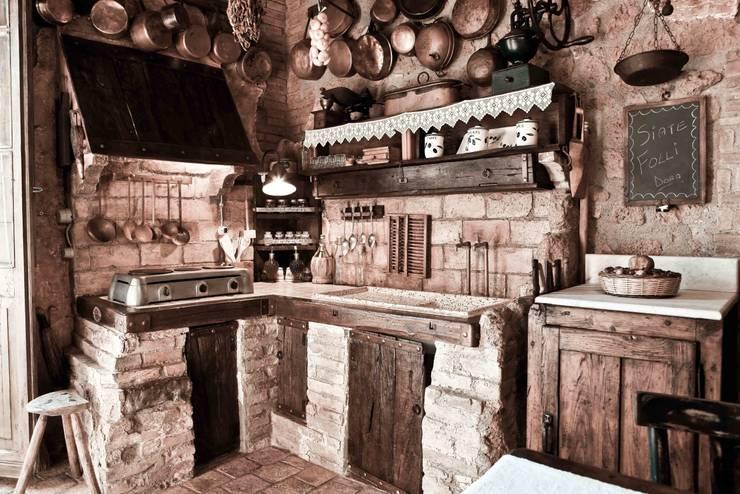 Se una grotta diventa casa for Cucina romana antica