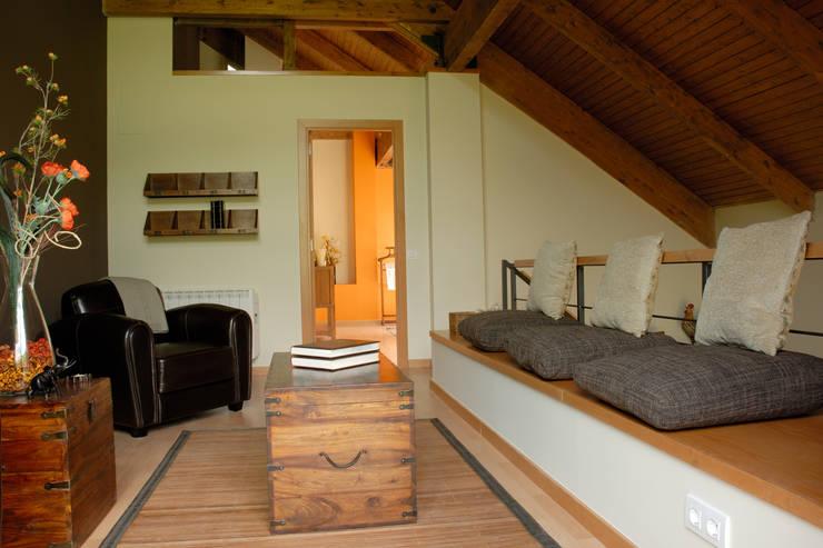 Varios: Pasillos y vestíbulos de estilo  de living spaces arquitectura