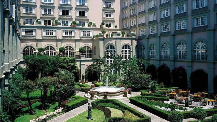 HOTEL FOUR SEASONS México: Baños de estilo  por Marmoles ARCA
