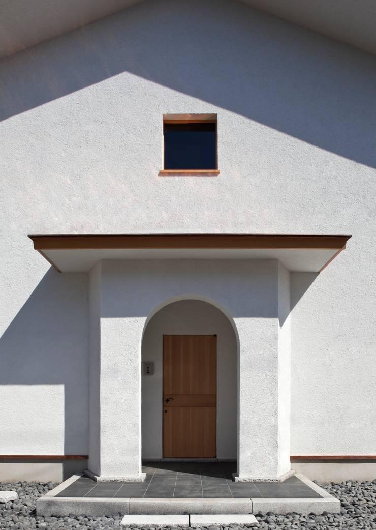 Maisons de style  par 松井建築研究所,