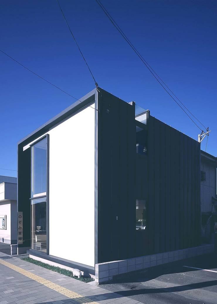のぞみ薬局Ⅱ: ISDアーキテクト/一級建築士事務所が手掛けた商業空間です。