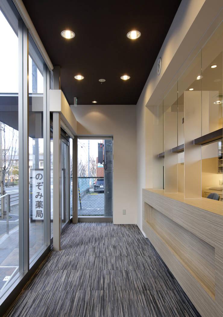 のぞみ薬局Ⅲ: ISDアーキテクト/一級建築士事務所が手掛けた商業空間です。