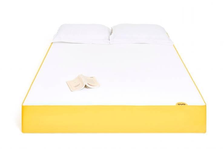 Unsere eve Matratze: minimalistische Schlafzimmer von eve sleep