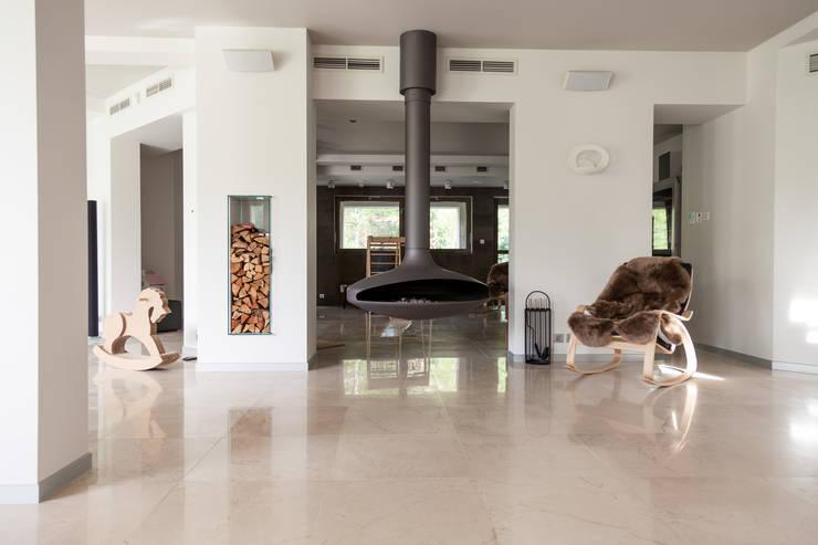 Камин: Гостиная в . Автор – de.studio