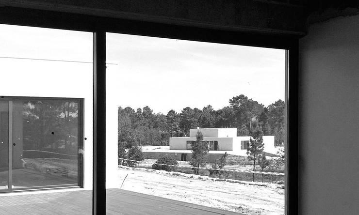 casas P: Casas  por Artspazios, arquitectos e designers