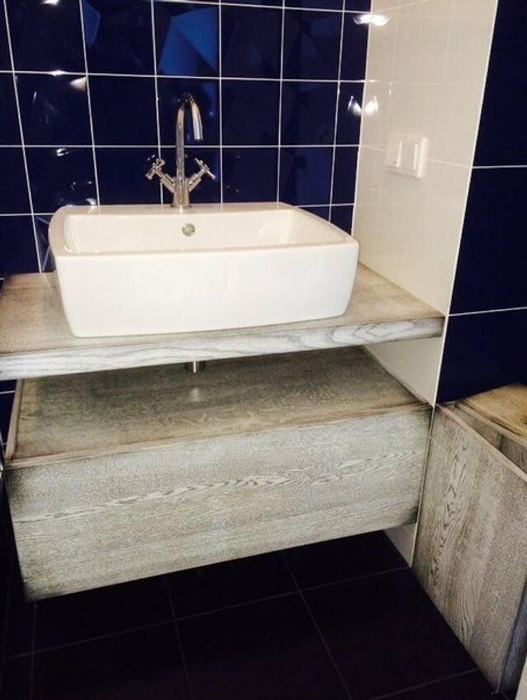 Ванная комната: Ванная комната в . Автор – Very'Wood
