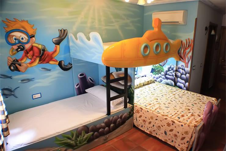 Habitación temática del fondo del mar: Habitaciones infantiles de estilo  de Art4kids
