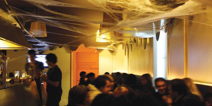 astek senses: Espaços de restauração  por Artspazios, arquitectos e designers
