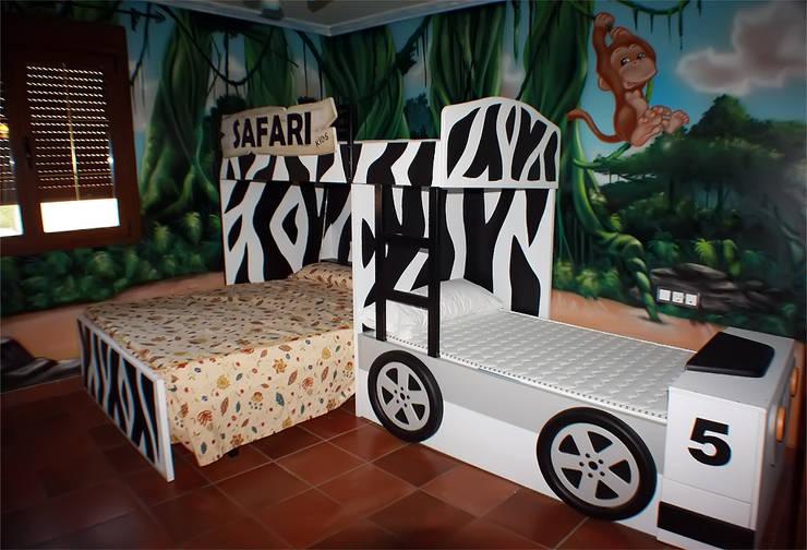 Habitación temática de la selva:  de estilo  de Art4kids, Mediterráneo