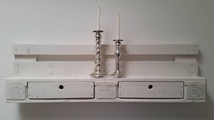 """Palettenmöbel - Regal - No.-01 """"Weiß"""": moderne Wohnzimmer von starg"""