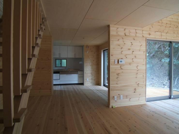 キッチン・ダイニング: OSM建築設計事務所が手掛けたキッチンです。