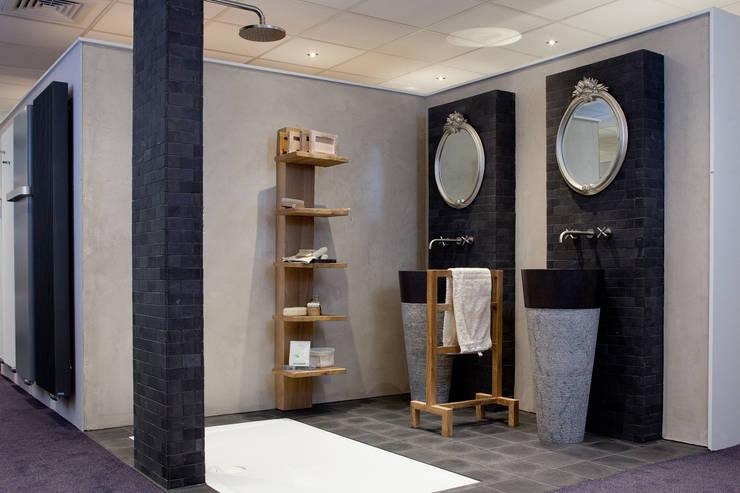 Badkamers Natuurlijke Materialen : Geraffineerde natuurlijke materialen door am badkamers homify