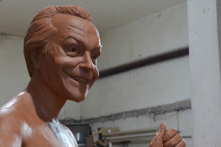 Çamur Sanat  – Joker heykeli: minimalist tarz , Minimalist