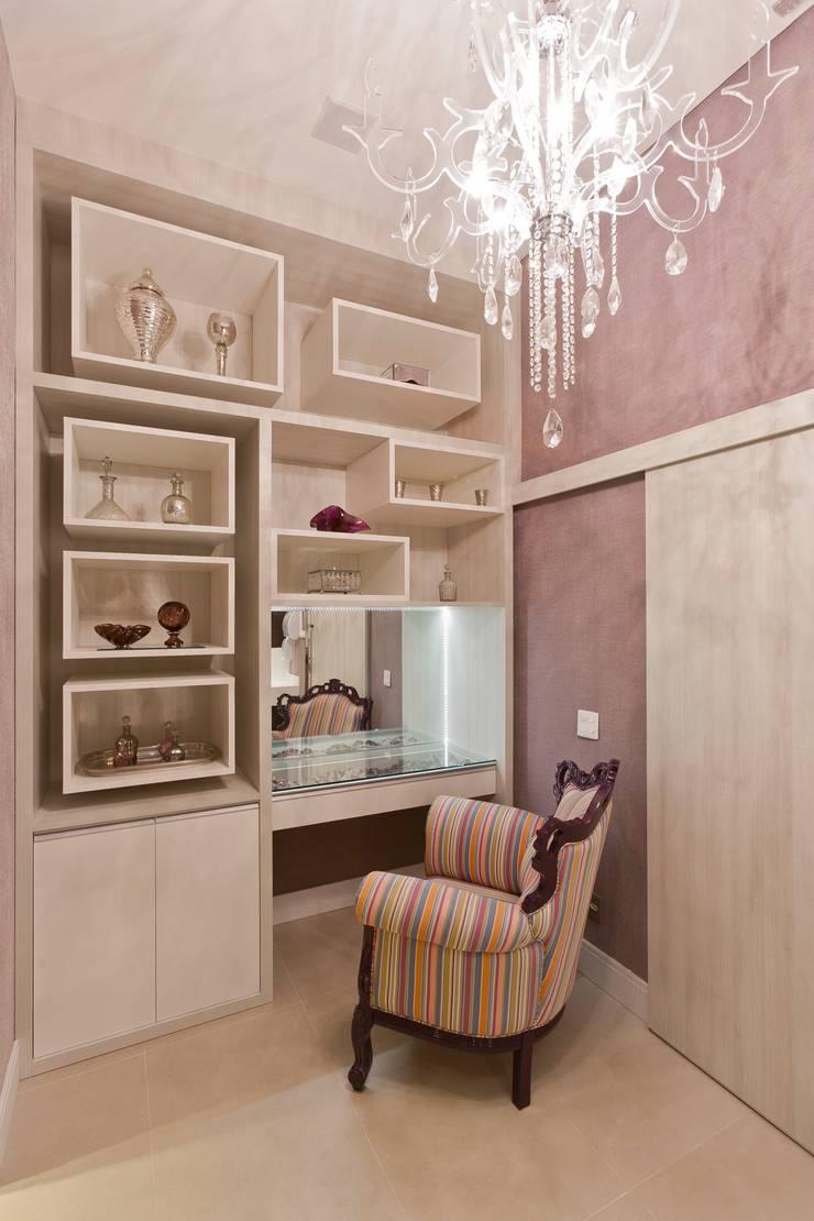 Banheiro Público Casa Cor São Paulo:   por  Adriana Fiali e Rose Corsini - FICODesign ,Moderno