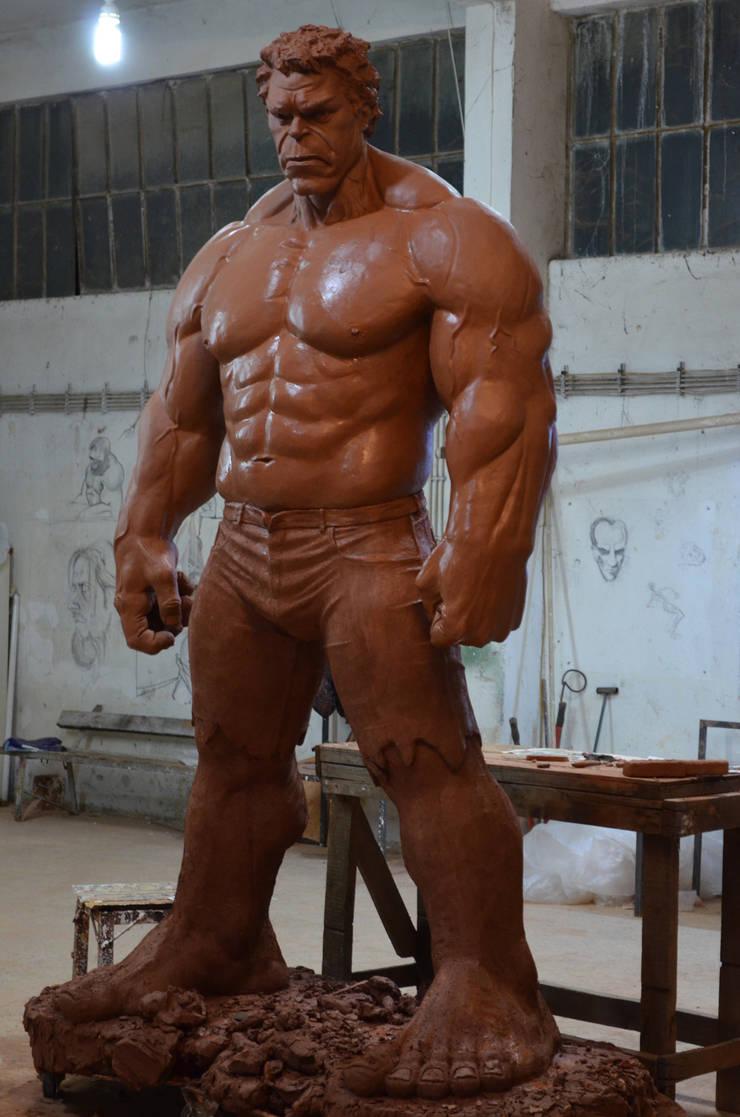 Çamur Sanat  – Hulk heykeli: minimalist tarz , Minimalist