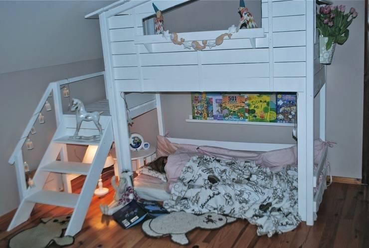Super unikatowe łóżeczko drwniane – PIĘTROWY DOMEK : styl , w kategorii  zaprojektowany przez Eko Bracia,Klasyczny