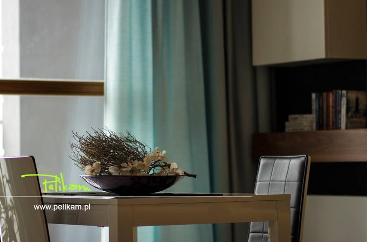 Mieszkanie w Warszawie: styl , w kategorii Salon zaprojektowany przez PELIKAM,