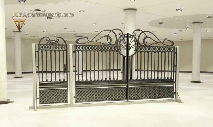 """""""Symetria"""": styl , w kategorii Ogród zaprojektowany przez TORA bramy i ogrodzenia"""