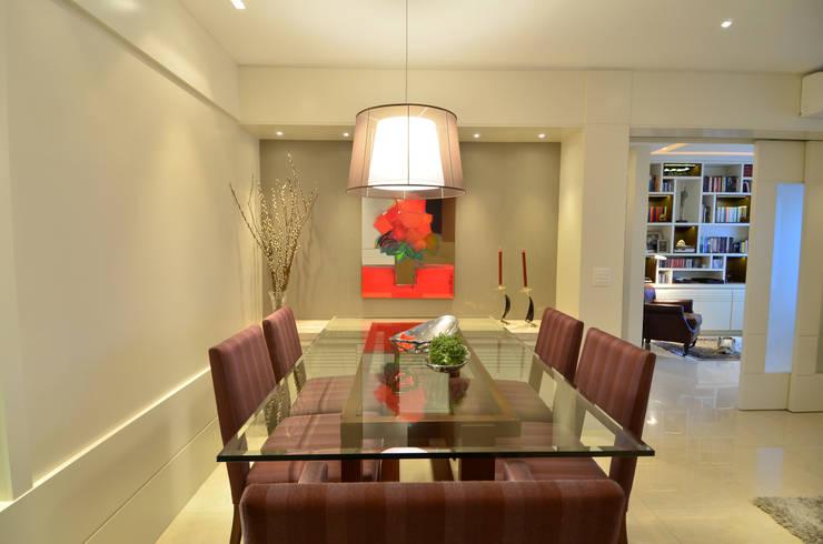 Modernizando apartamento : Salas de jantar  por Tania Bertolucci  de Souza  |  Arquitetos Associados,Moderno