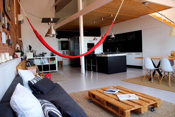 Salas de estar  por SMMARQUITECTURA