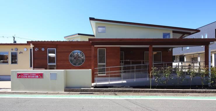 こどもきらきら園外観: MK design studioが手掛けた学校です。