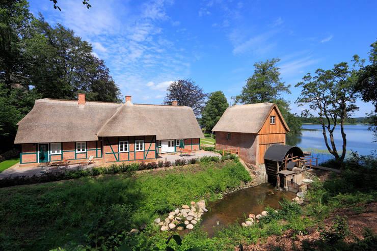Fischerhaus Manhagen:  Häuser von Architekturbüro Griebel