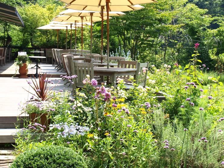 レストランガーデン: NICO株式会社が手掛けた庭です。