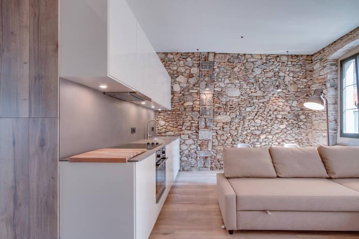 Cozinhas  por Lara Pujol  |  Interiorismo & Proyectos de diseño