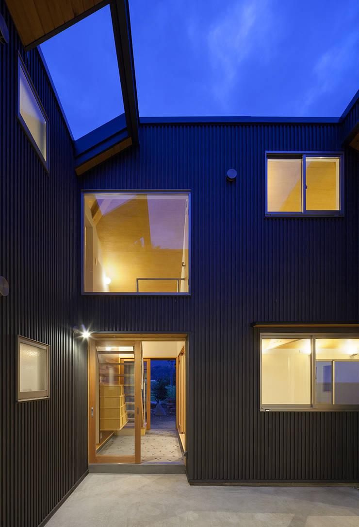 I-HOUSE: 建築デザイン工房kocochi空間が手掛けた家です。,オリジナル