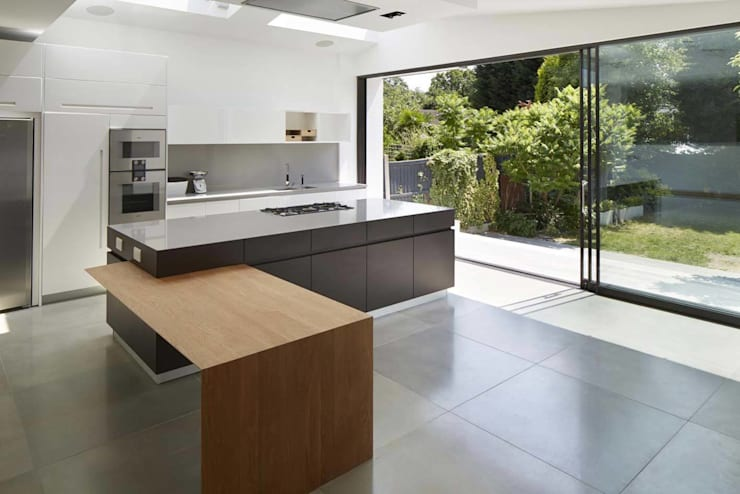 Eagle Lane:  Kitchen by Clear Architects