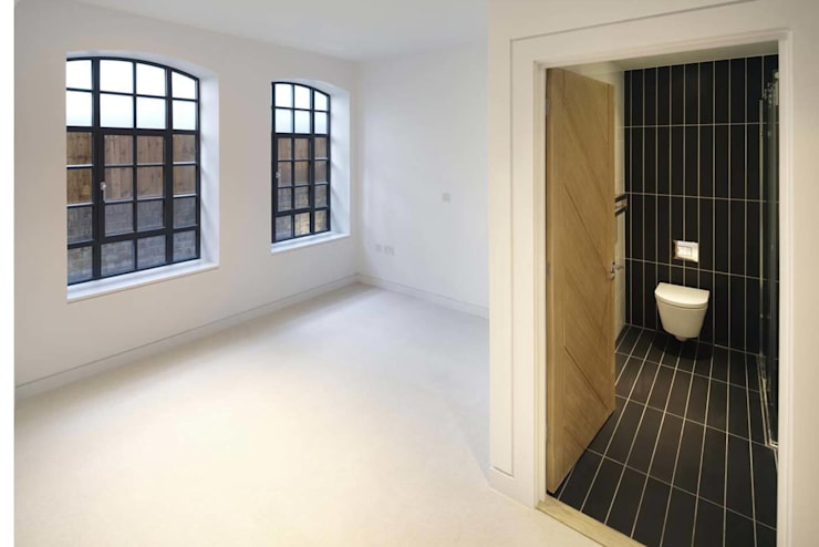 Coborn House:  Bathroom by Clear Architects