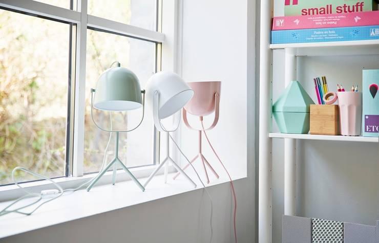 Lampa Monty projekt Charlotte Honcke: styl , w kategorii Domowe biuro i gabinet zaprojektowany przez FLEXA,