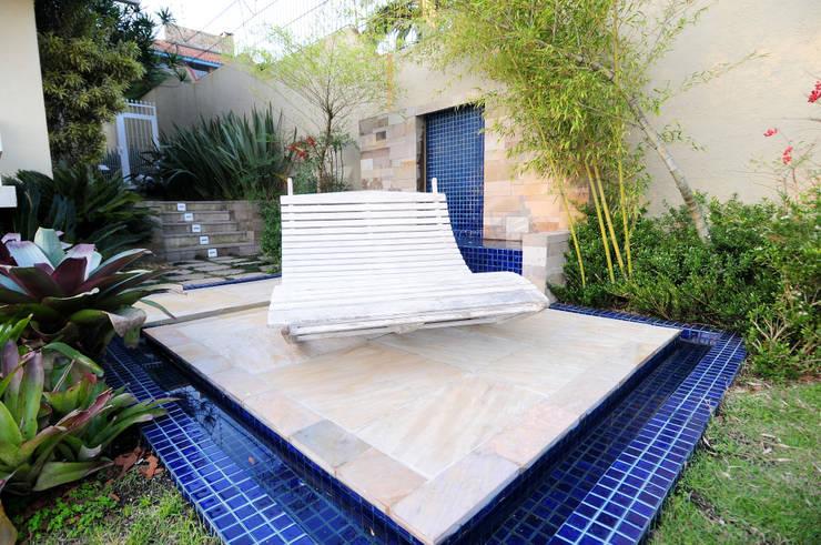 Garden by Loro Arquitetura e Paisagismo, Modern
