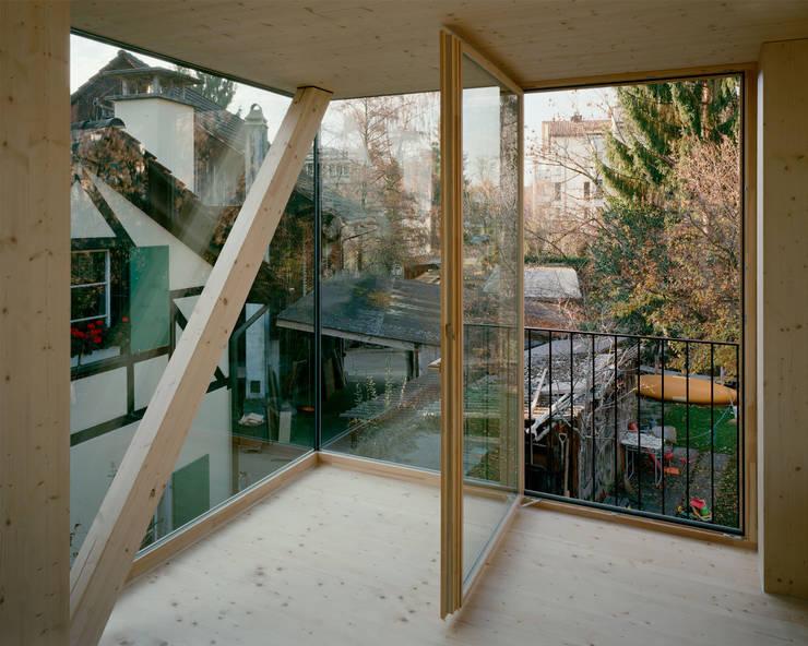 Ventanas de estilo  por smarch-Mathys&Stücheli