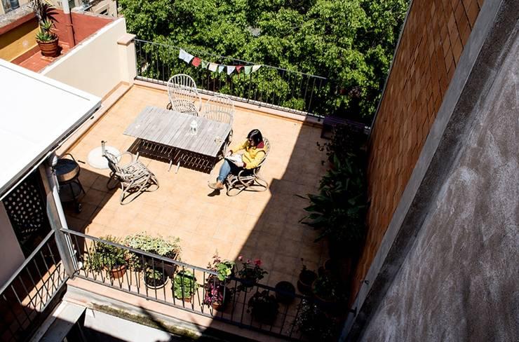 La terraza: Terrazas de estilo  de MMMU Arquitectura i Disseny