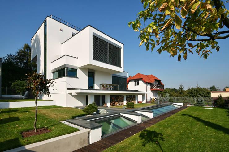 dom xv w Krakowie: styl , w kategorii Domy zaprojektowany przez RS+ Robert Skitek