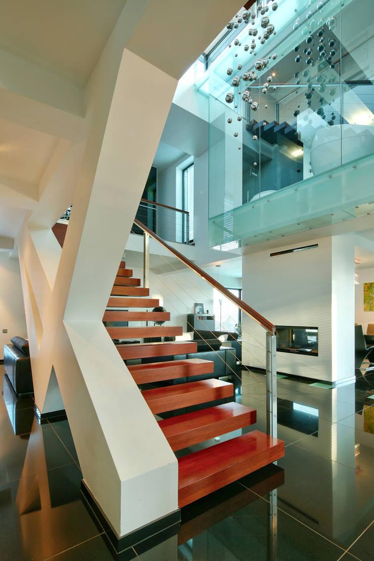 dom xv w Krakowie: styl , w kategorii Korytarz, przedpokój zaprojektowany przez RS+ Robert Skitek
