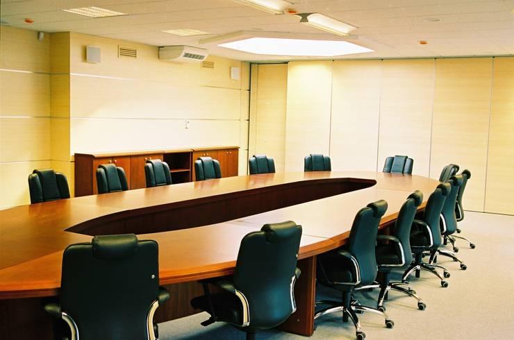 Центральный офис известного мобильного оператора России: Конференц-центры в . Автор – Artscale