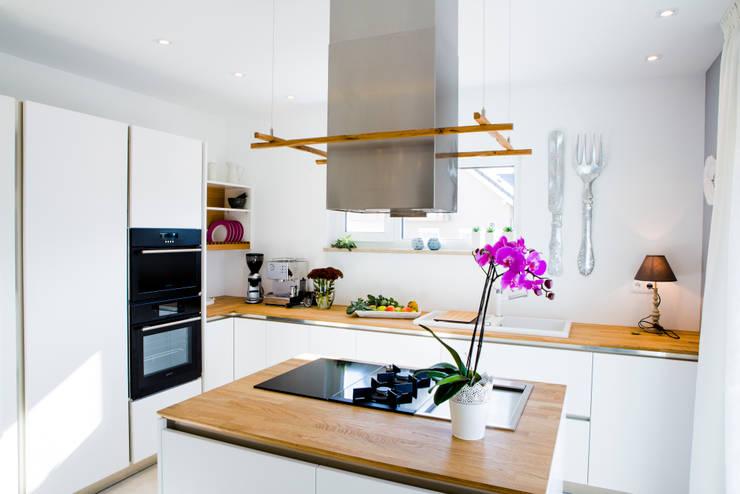 Projekty,  Kuchnia zaprojektowane przez FischerHaus GmbH & Co. KG
