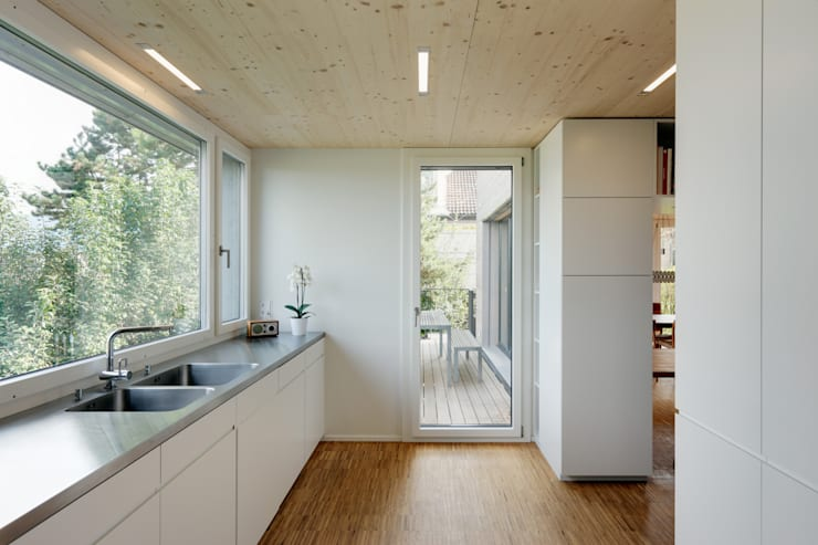 modern Kitchen by HKK Architekten Partner AG