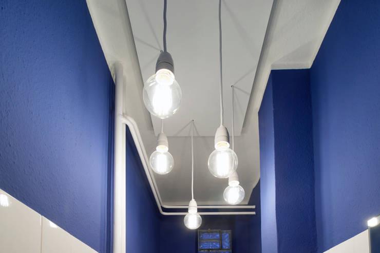 Bagno in stile in stile Moderno di Stockhausen Fotodesign