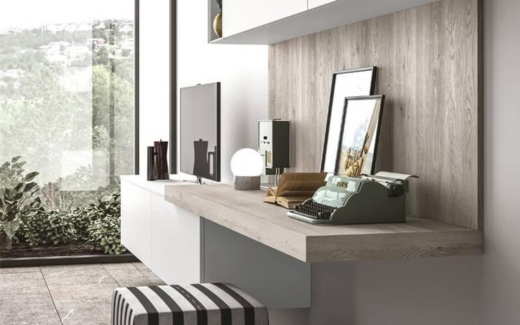 Ambiente Living (C) - dettaglio angolo home office: Soggiorno in stile  di Nova Cucina