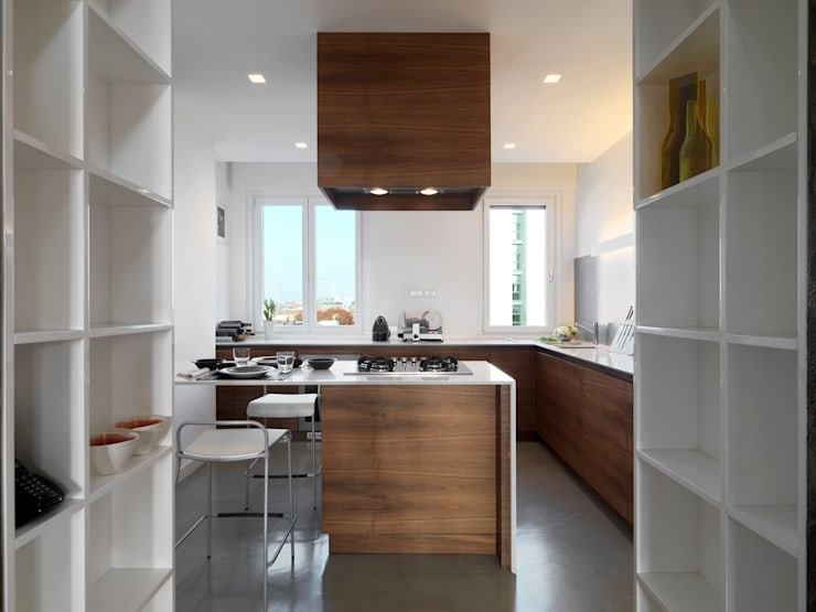 Attico in centro a Milano: Cucina in stile  di D3 Architetti Associati