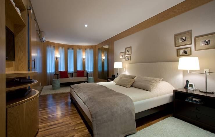 Dormitório: Quartos  por Ana Menoita Arquitetura e Interiores
