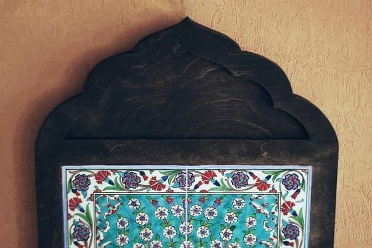 """Панно керамическое """"Древо жизни"""". Материал: керамика, минеральные краски, прозрачная глазурь; для рамы использована древесина.: Стены и пол в . Автор – NICE CATCH"""